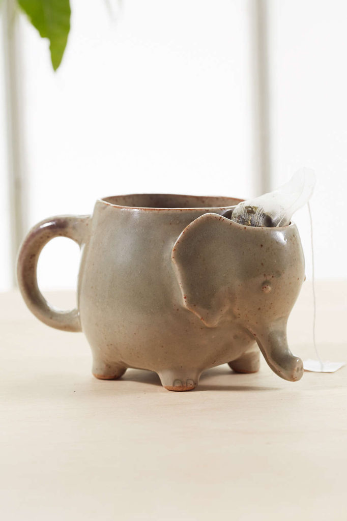 plum-bow-elephant-tea-mug