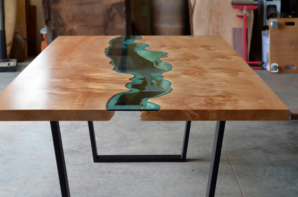 burled-river-dining-maple-river-table