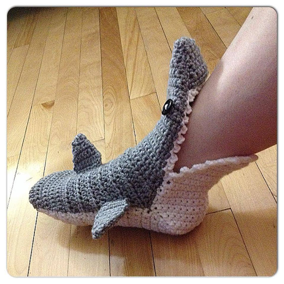 crochet-shark-slipper-adult-women-size
