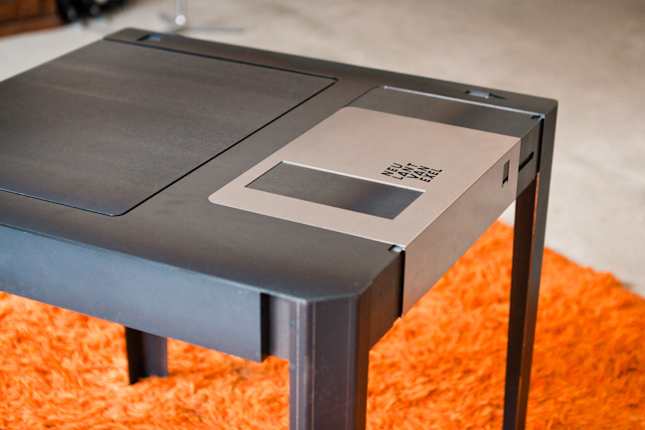floppy-disk-table-geek-furniture