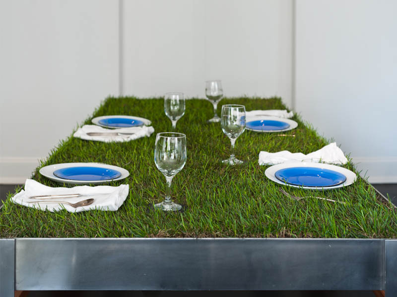 picnyc-table-aluminium-grass-picnic-urban