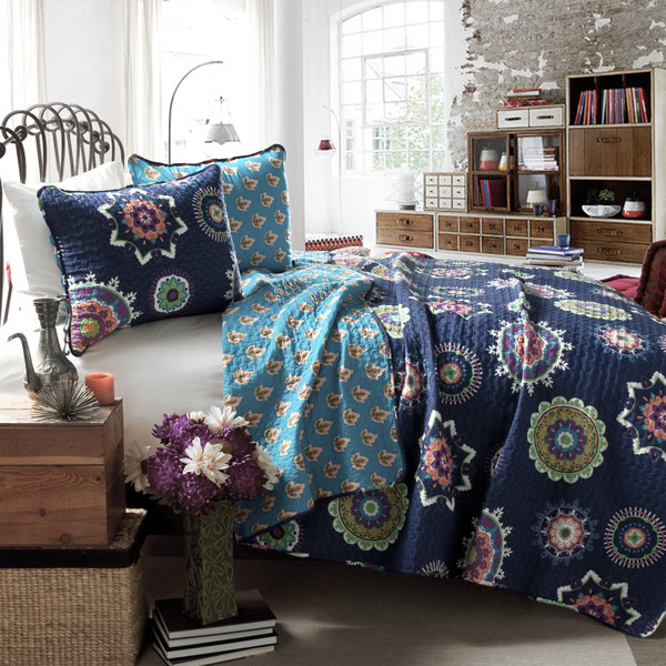 Adrianne-Quilt-Set-in-Navy