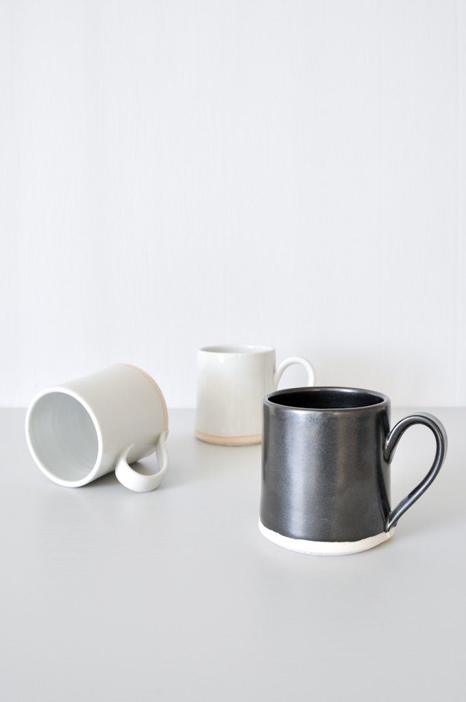 koromiko-everyday-black-white-mug