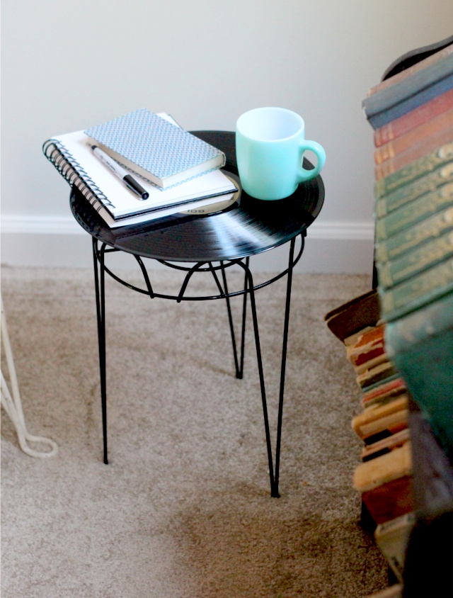 upcycled-side-table-diy-vinyl-record