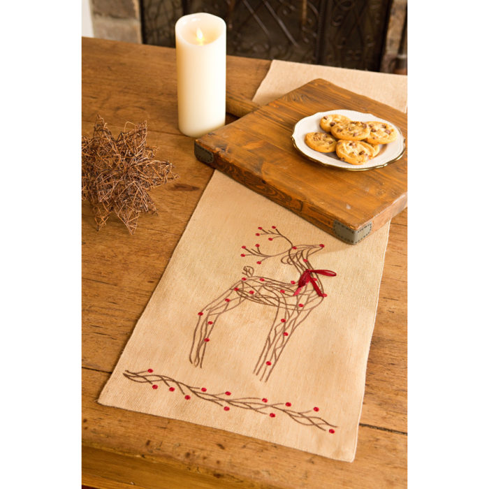 Uncompahgre-Jute-Christmas-Table-Runner-brown-reindeer-sew-wayfair
