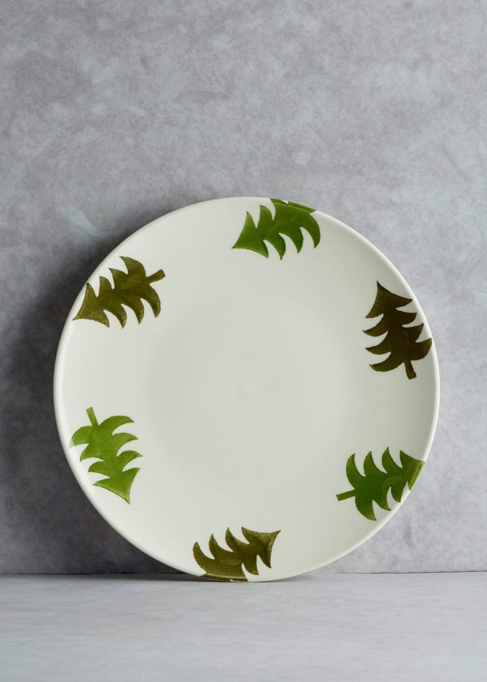 hand-painted-christmas-tree-dinner-plate-27cm-matalan