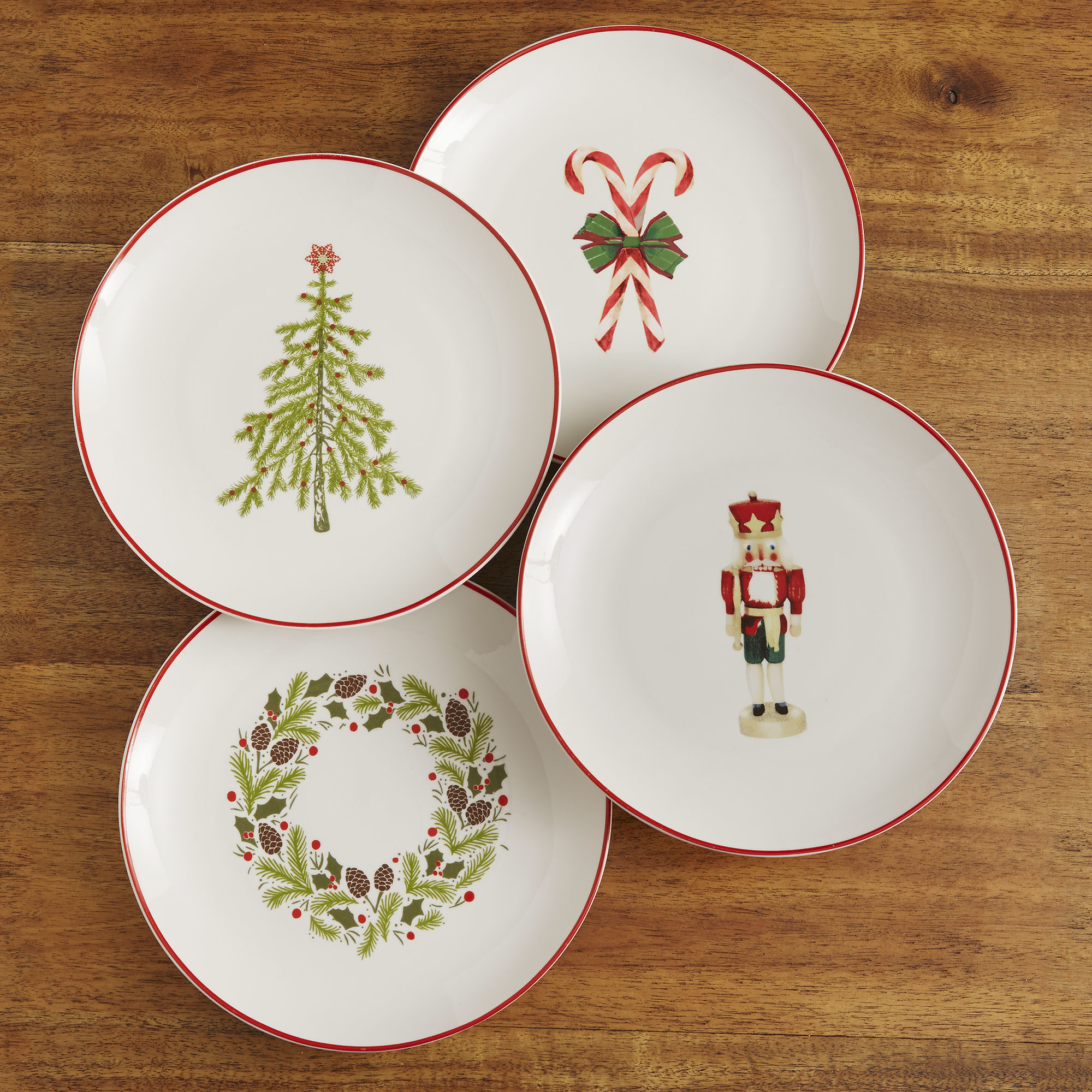 Christmas table Plate set for 4? Right this way.
