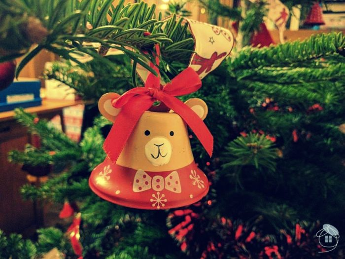 christmas-tree-bear-bell-red-decoration-1