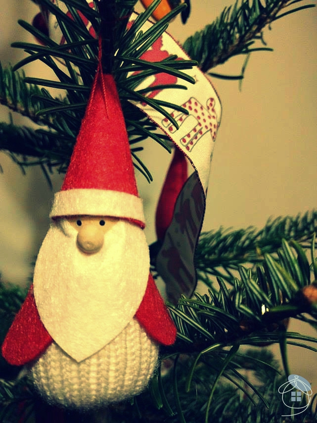 christmas-tree-santa-claus-material-red-white-decoration-2