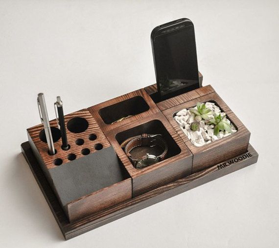 Desk organizer for the neat freak inside ahomeround - Neat desk organizer ...